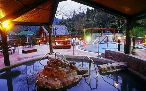 新竹-尖石峇里森林溫泉渡假村《二人SPA泡湯券》