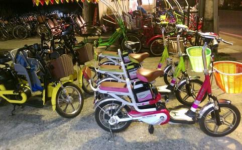 新北市八里-風火輪單車《2人座電動腳踏車平日1小時優惠租用》-預約